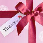花束プレゼントに添える短文英語メッセージ♪卒業するクラスの生徒から先生への感謝